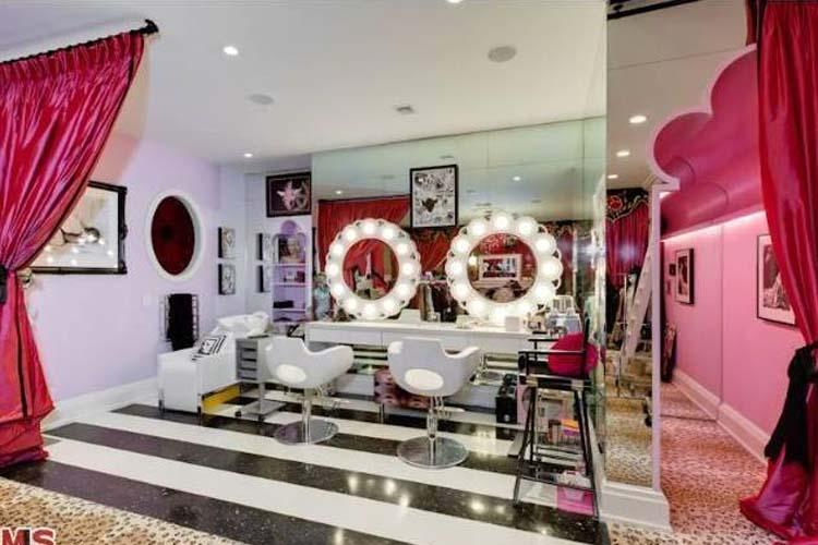 Christina Aguilera Home Salon
