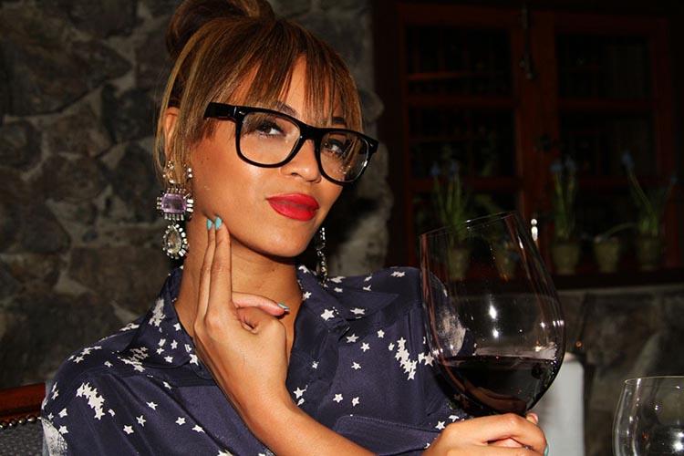 Celebrity's Favourite Alcoholic Drinks